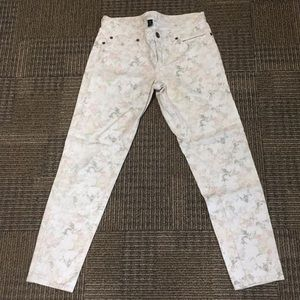 Like new Gap flora jeans